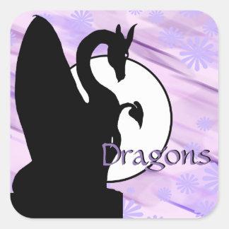 Drache-Mond I (Lavendel geblüht) Quadratischer Aufkleber