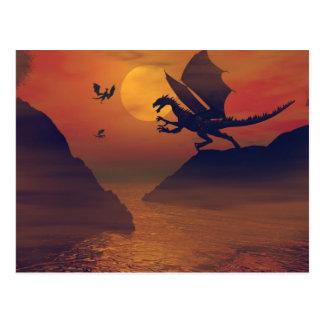 Drache-Sonnenuntergang-Postkarte Postkarte