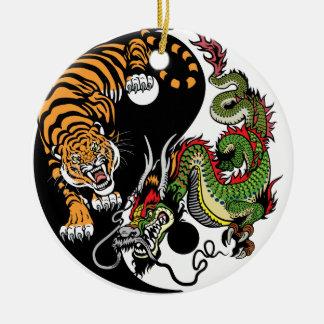 Drache und Tiger yin Yang Rundes Keramik Ornament