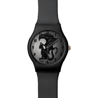 Dragonstatue Uhr