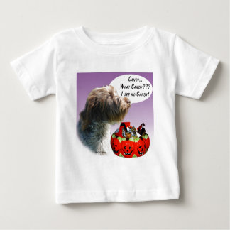 Drahthaar, das Griffon Halloween Süßigkeit zeigt Baby T-shirt