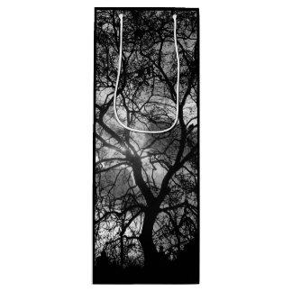 Drastische Baum-Silhouette bedeckt natürliche Geschenktüte Für Weinflaschen