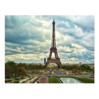 Drastischer Eiffelturm Postkarte