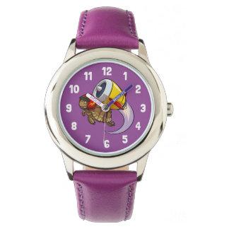 Draufgänger-Fliegen-Schildkröte mit einem Uhr