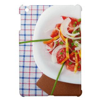 Draufsicht eines kleinen Teils vegetarischen iPad Mini Schale