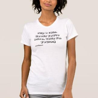 Drehen Sie eine Münzen-Behälter-Spitze durch Liebe T-Shirt