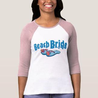 Drehen Sie Reinfall-Strand-Braut um T-Shirts