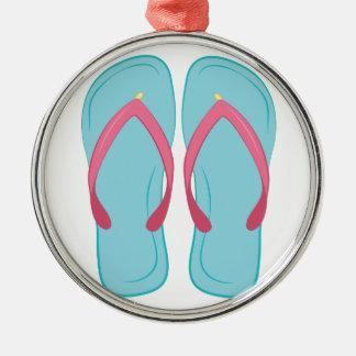 Drehen Sie Reinfall um Rundes Silberfarbenes Ornament