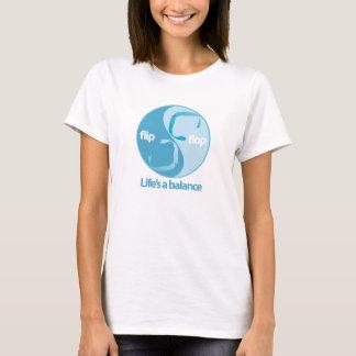 drehen Sie Reinfallbalance um T-Shirt