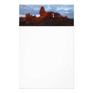 Drehkopf-Bogen am Sonnenaufgang im Briefpapier