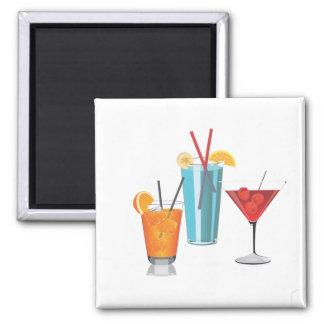 Drei bunte Cocktails Quadratischer Magnet