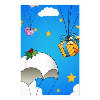 Drei Fallschirme mit Geschenken Briefpapier