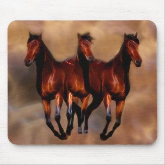 Drei Pferde in einem Mousepad