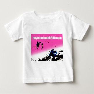 Drei Surfer, die durch ein ParkTrike gehen Baby T-shirt