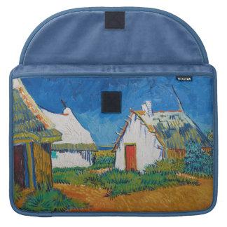 Drei weiße Hütten in Saintes-Maries durch Vincent Sleeve Für MacBook Pro