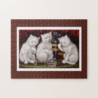 Drei weiße Katzen nach dem Fest und Puzzle