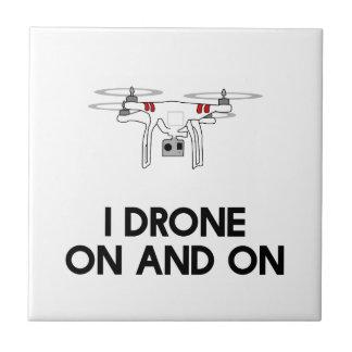 Drohne I in einem fort quadcopter Fliese