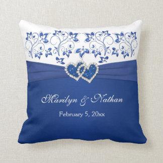 DRUCKRIBBON/JEWELS blau, weißes Hochzeits-Kissen