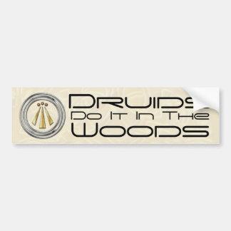 Druiden tun es im Holz - Autoaufkleber