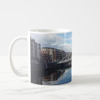 Dublin-Brücken-LandschaftsTasse Kaffeetasse
