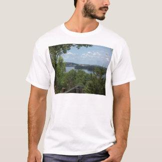 Dubuque Iowa vom Fluss Mississipi T-Shirt