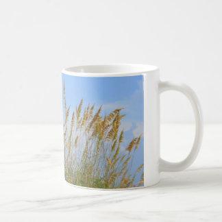 Dünen auf dem Strand Kaffeetasse