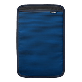 Dunkelblaue Wasser-Kräuselungen MacBook Air Sleeve