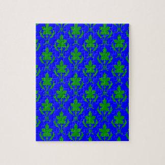 Dunkelblaues u. dunkelgrünes verziertes puzzle