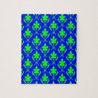 Dunkelblaues und hellgrünes verziertes puzzle