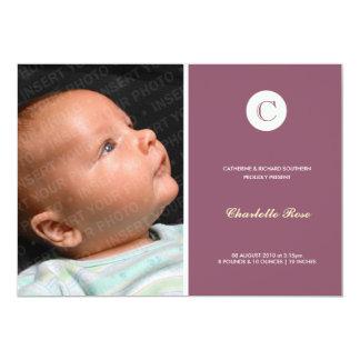 Dunkle rosa moderne Monogramm-Geburts-Mitteilung 12,7 X 17,8 Cm Einladungskarte