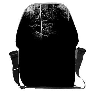 Dunkle Waldschwarzweiss-tasche Kurier Tasche