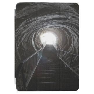 Dunkler Höhlen-Tunnel iPad Air Hülle