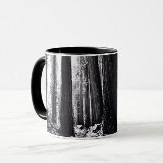 Dunkler Rotholz-Wald Tasse