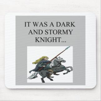 dunkler und stürmischer Nachtklischeewitz Mauspad