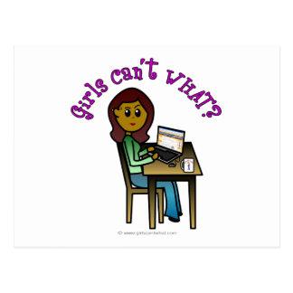 Dunkles Computer-Mädchen Postkarte