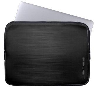 dunkles elegantes perforiertes Metall Laptop Sleeve