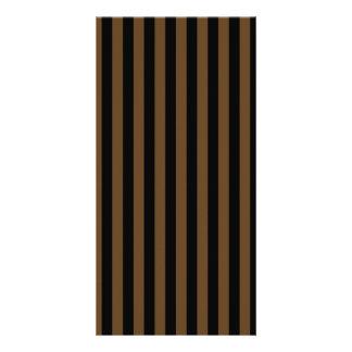 Dünne Streifen - schwarz und dunkles Brown Karte