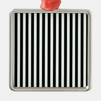 Dünne Streifen - schwarz und Pastellgrün Quadratisches Silberfarbenes Ornament