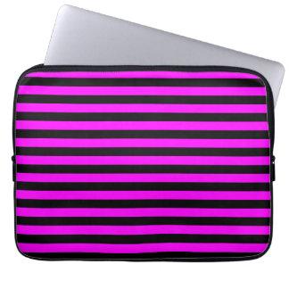 Dünne Streifen - Schwarzes und Fuchsie Laptopschutzhülle