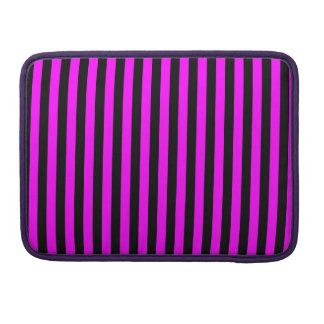 Dünne Streifen - Schwarzes und Fuchsie Sleeve Für MacBook Pro