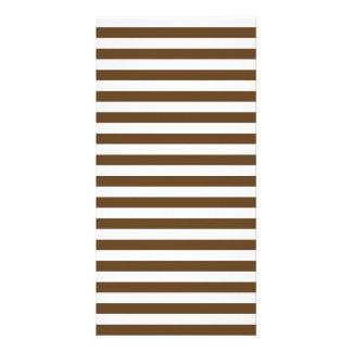 Dünne Streifen - weiß und dunkles Brown Karte