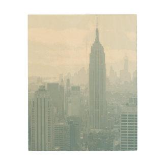 Dunstige blaue New- York CitySkyline Holzwanddeko