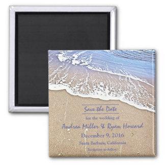 Durch den Magneten des Strandes Save the Date Quadratischer Magnet