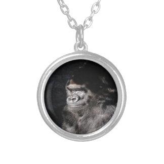 Durchdachter Gorilla Versilberte Kette