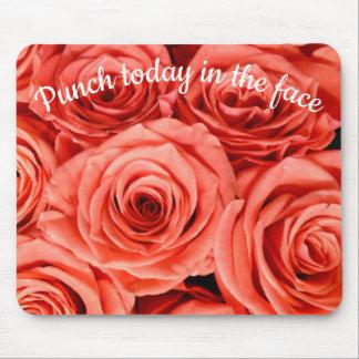 Durchschlag heute in den Gesichts-Lachs-Rosen Mousepad
