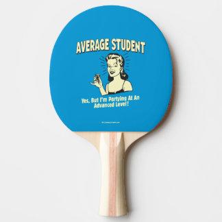 Durchschnittlicher Student: Partying vorangebracht Tischtennis Schläger