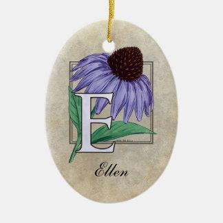 E für Echinacea-Blumen-Monogramm-Verzierung mit Keramik Ornament