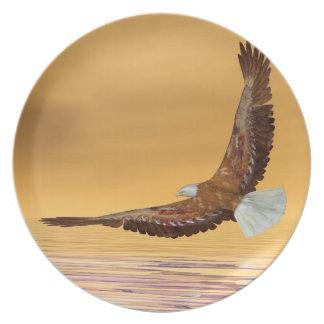 Eagle, das zur Sonne fliegt - 3D übertragen Melaminteller