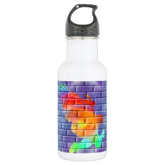 Eagle-Graffiti auf Backsteinmauer Trinkflasche