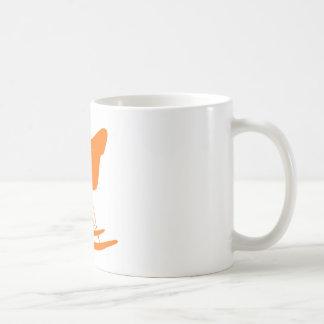 Eames Rockerstuhl in der Orange Kaffeetasse